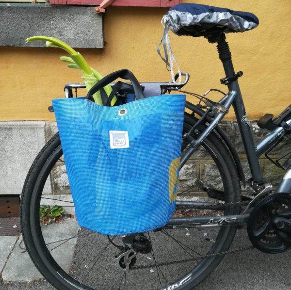 Oh la bâche ! BLANCHE-sacoche-vélo-en-bâche-Oh_la_bâche-B-e1589124977903-600x598 BLANCHE