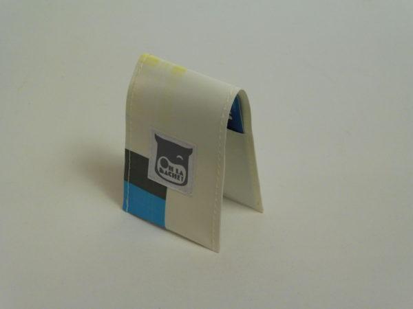 Oh la bâche ! NOé-Porte-cartes-en-bâche-par-Oh_la_bâche-F-600x450 NOÉ Porte-cartes