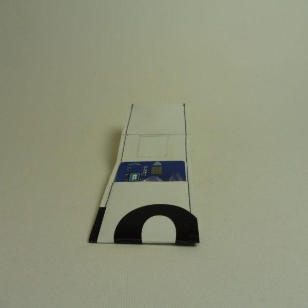 Oh la bâche ! NOé-Porte-cartes-en-bâche-by-Oh_la_bâche-E-OUVERT-600x600 NOÉ Porte-cartes